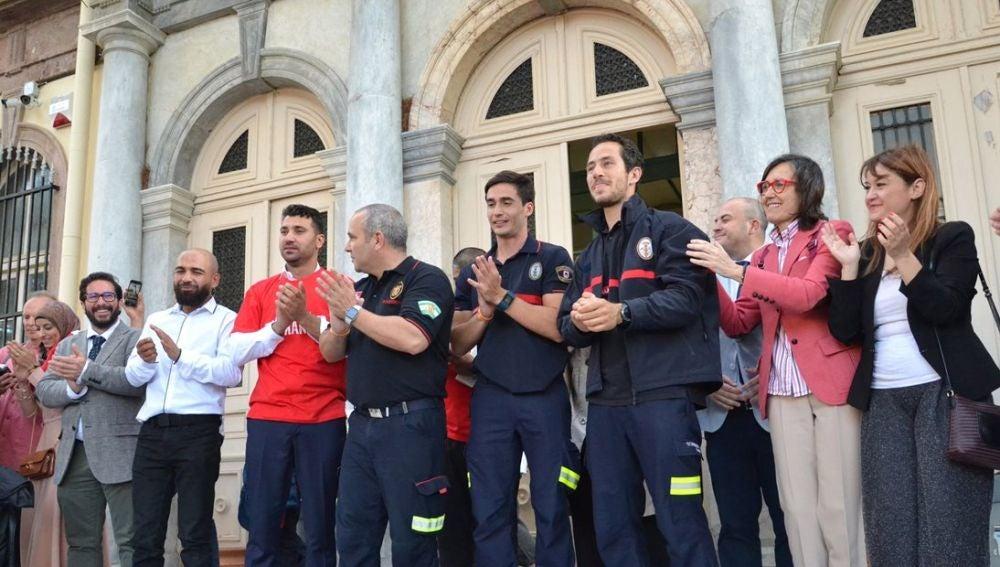 Absueltos los 3 bomberos sevillanos acusados de tráfico de personas en Grecia