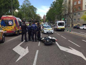 Accidente en el cruce entre la calle María de Molina con las calles López de Hoyo y Serrano