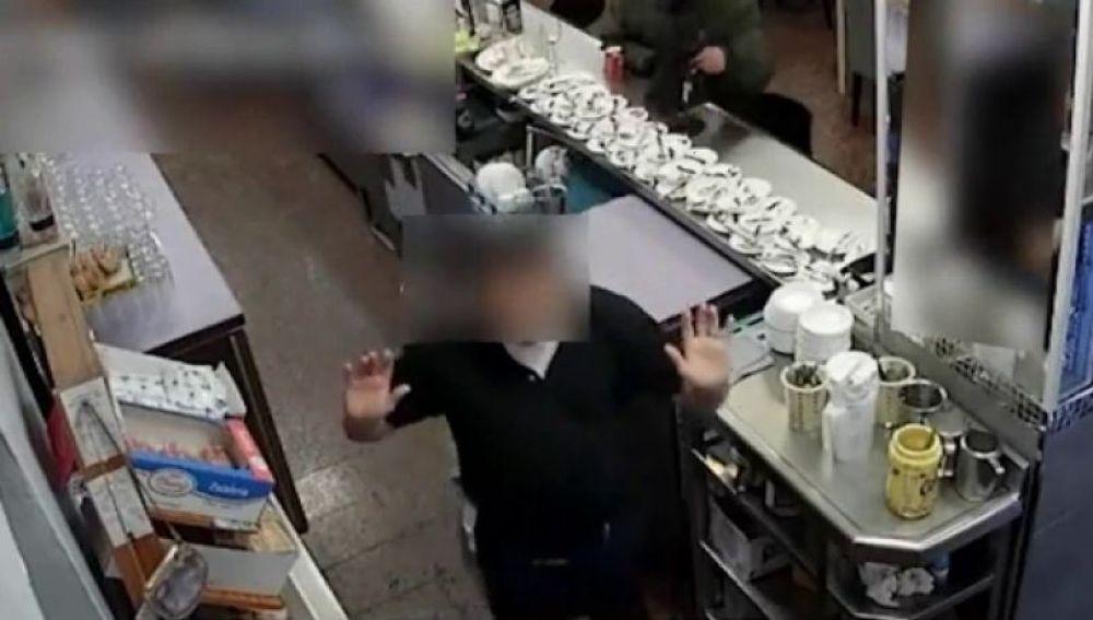 Robo con violencia en un bar de Málaga