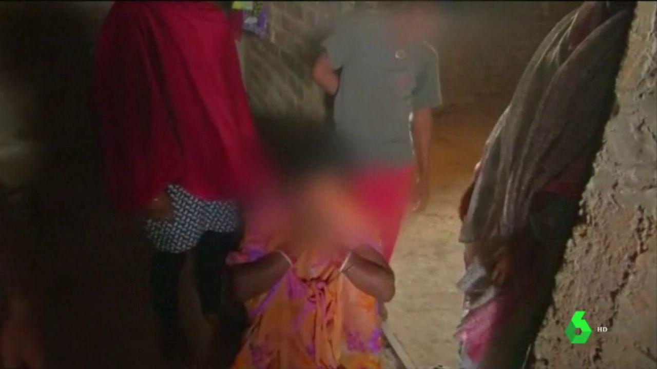 Ama De Casa Es Violada Y Amarrada Porno quemada viva por denunciar una violación: la terrible violencia contra las  niñas en india no cesa