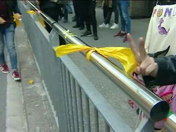 Tensión en las calles de Barcelona por los lazos amarillos independentistas