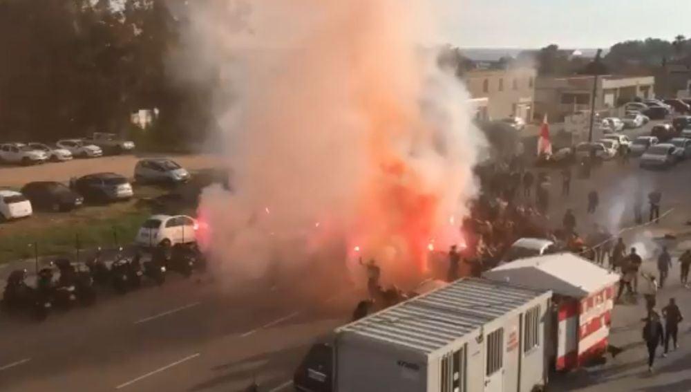 Disturbios en las proximidades del estadio Francóis-Coty