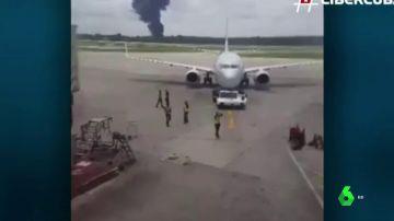 """Un testigo del accidente de avión en La Habana: """"Cayó casi en la carretera. Había miles de ambulancias y bomberos"""""""
