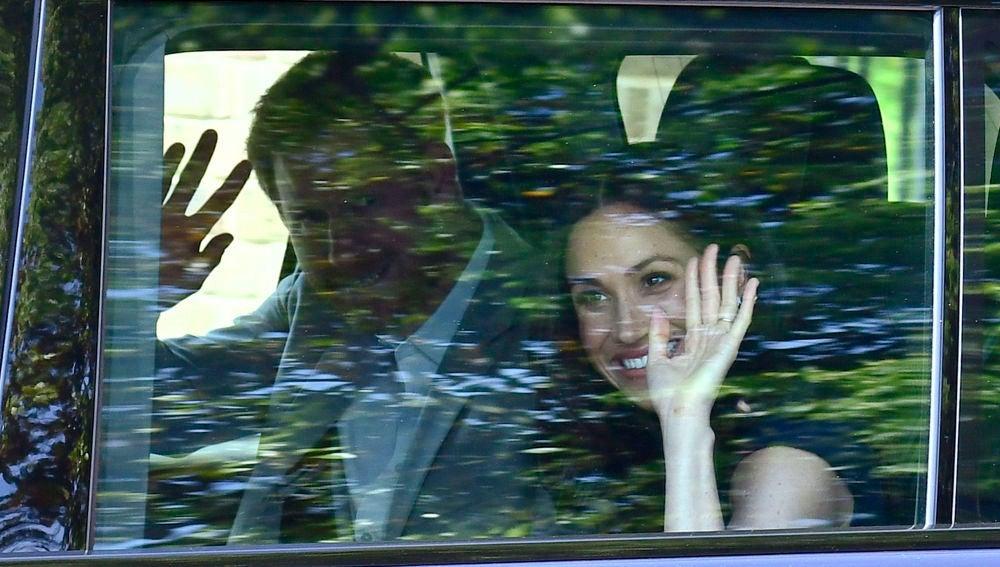 Meghan Markle y el príncipe Harry a su llegada a la recepción con Isabel II