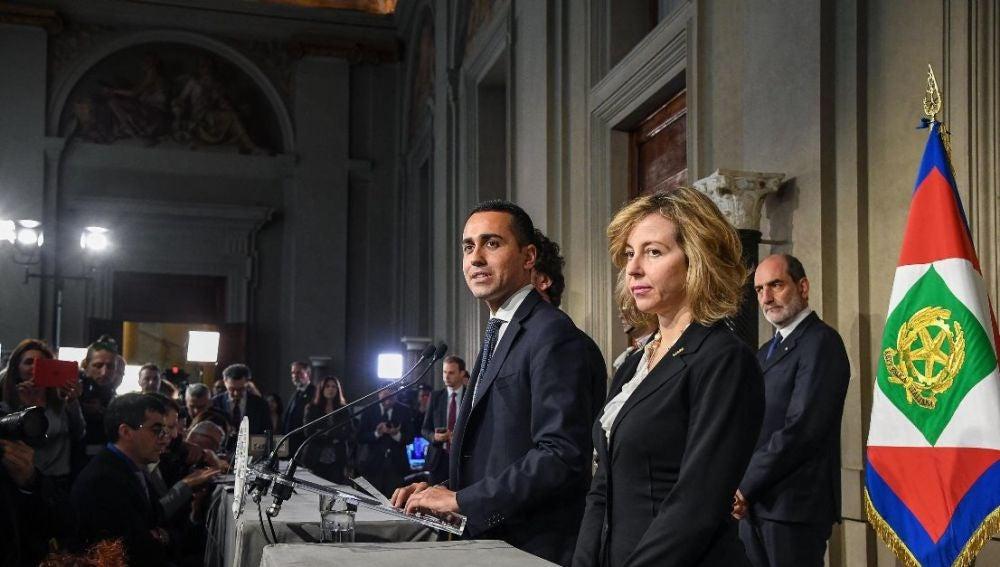 El líder del Movimiento Cinco Estrellas (M5S), Luigi Di Maio y su compañera de partido Giulia Grillo