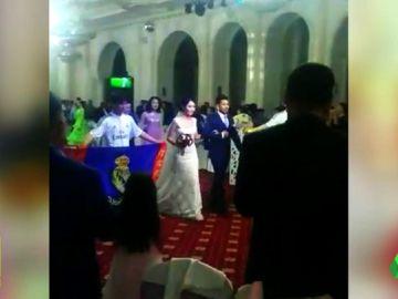 Una pareja de chinos se casan... ¡con el himno del Real Madrid!