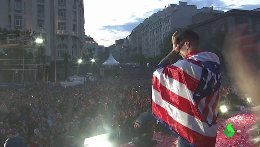 """Fernando Torres se emociona en Neptuno: """"Vine a ver al Atleti del Doblete y soñaba con estar aquí algún día"""""""