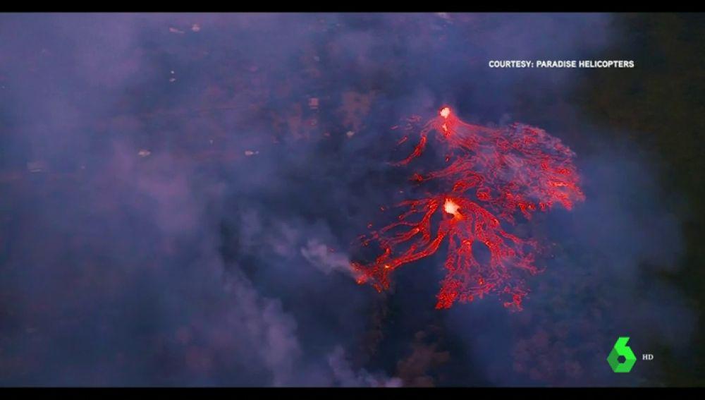 Continúa el riesgo en Hawái por la lava que brota de una veintena de fisuras del volcán Kilauea