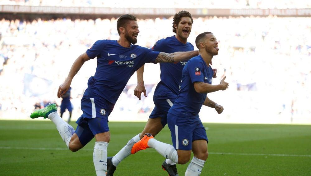 Hazard celebra su gol de penalti contra el United