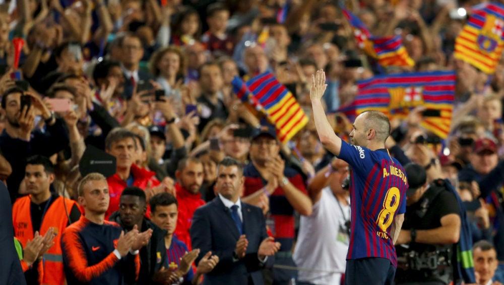 Iniesta se despide del Camp Nou