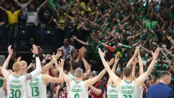 Zalgiris Kaunas celebrando la victoria