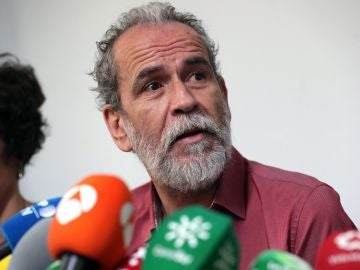 El actor Willy Toledo durante la rueda de prensa convocada