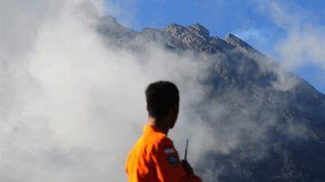 Las pequeñas erupciones del volcán Merapi en Indonesia