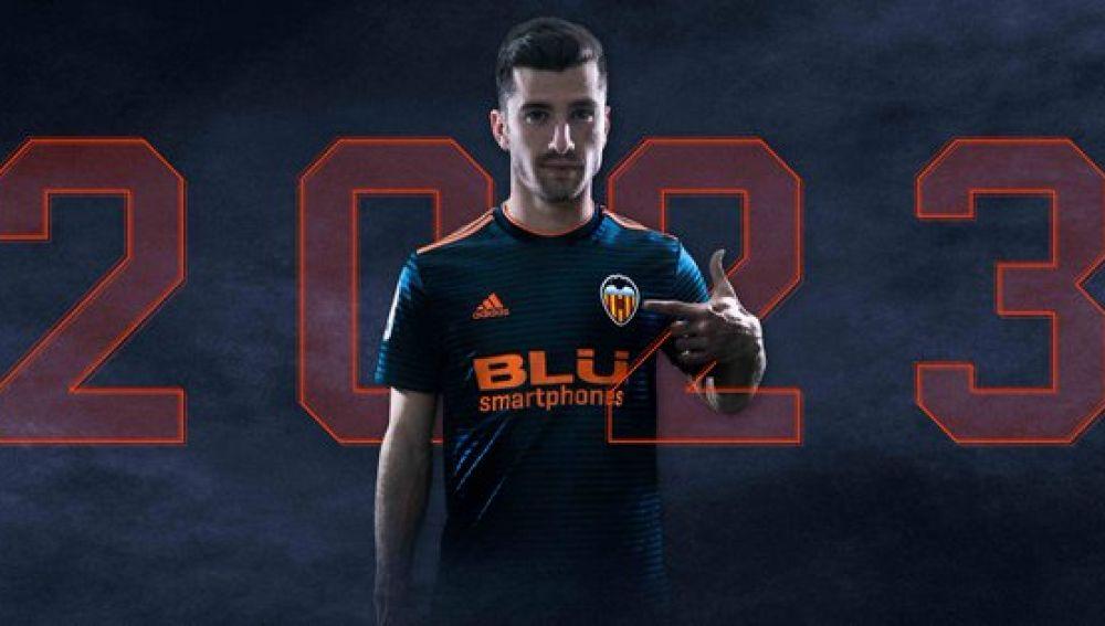 José Luis Gayá renueva con el Valencia