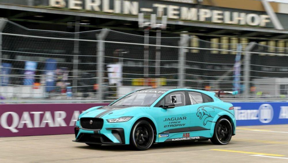 El Jaguar I-PACE se suelta la melena para su debut en competición