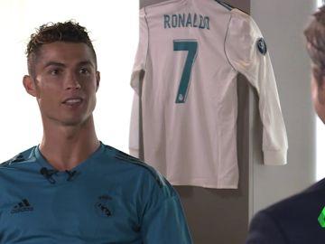 """Josep Pedrerol entrevista a Cristiano Ronaldo: """"¿Neymar? Se habla de que vienen 50 y al final no viene nadie"""""""