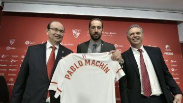 Pablo Machín, junto a Pepe Castro y Joaquín Caparrós