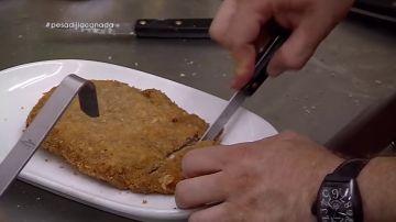 Así es el espectacular cachopo de Alberto Chicote: paso a paso, el chef descubre su receta en A Cañada