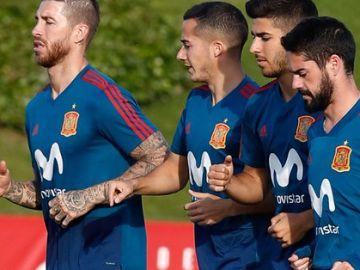 Los jugadores del Real Madrid, con la Selección