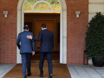 Mariano Rajoy y Pedro Sánchez en el Palacio de la Moncloa