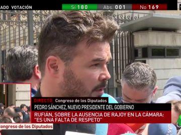 """Rufían matiza el voto de ERC a favor del PSOE en la moción de censura: """"No le tenemos manía, pero sí memoria"""""""