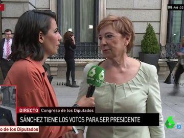 Celia Villalobos, a la entrada del Congreso de los Diputados