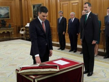 Pedro Sánchez promete su cargo como presidente del Gobierno en el Palacio de la Zarzuela