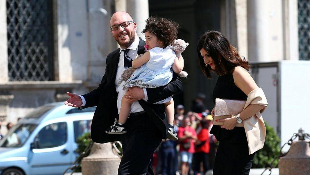 Critican al ministro de Familia italiano por rechazar a los gais