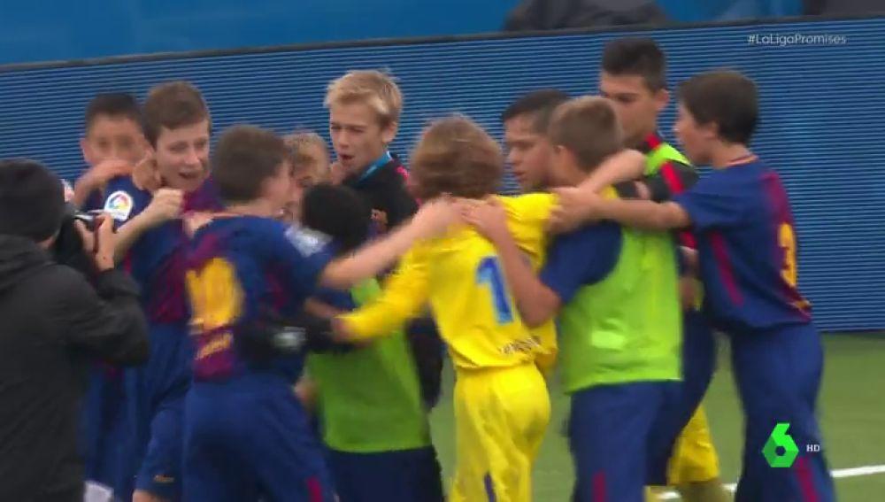 <p>El Barcelona se mete en la final de LaLiga Promises tras imponerse al Deportivo en la tanda de penaltis</p>