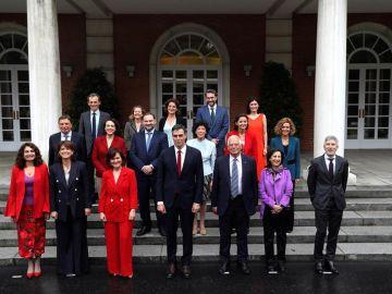 Pedro Sánchez preside el primer Consejo de Ministros