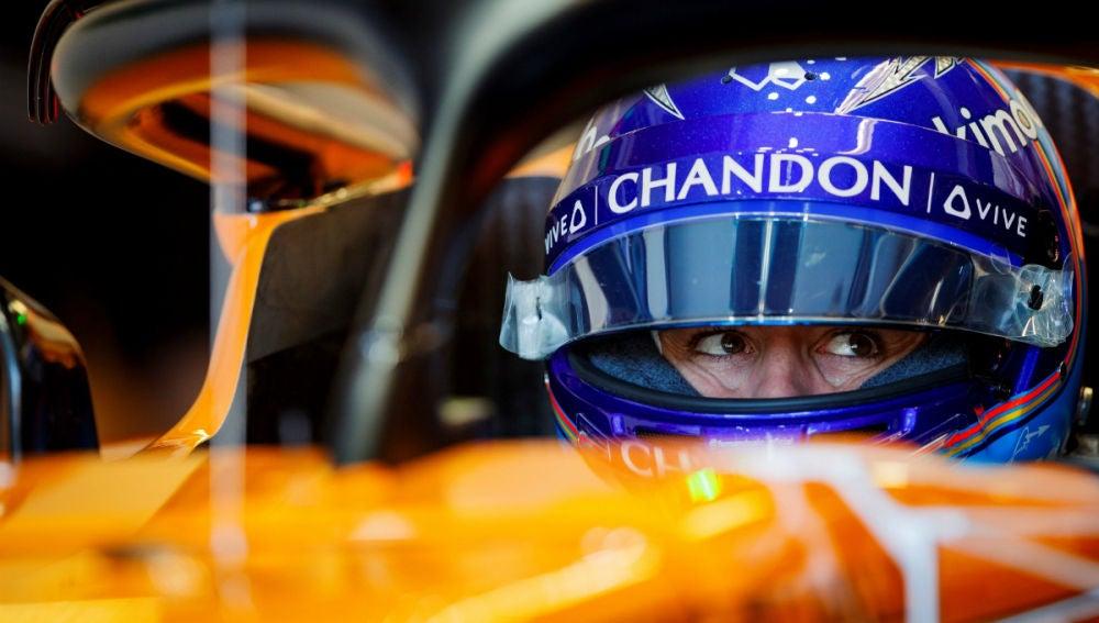 Alonso, en el cockpit del McLaren