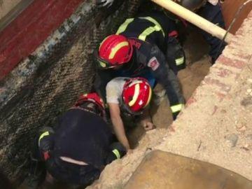 Obrero atrapado en un corrimiento en Madrid