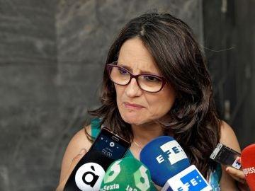 Mónica Oltra ante los medios