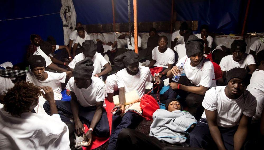 Rescate de los migrantes que van a bordo del Aquarius