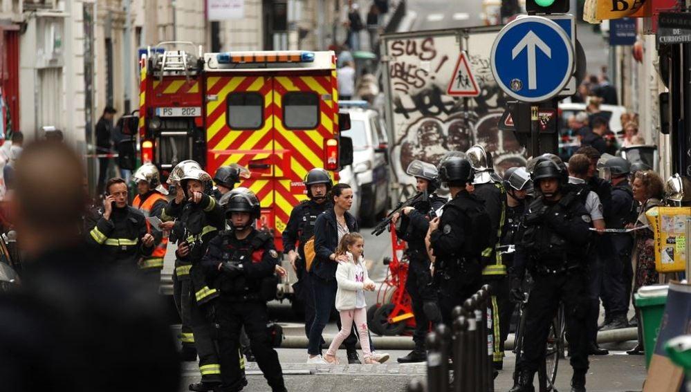 Fuerzas de seguridad en París