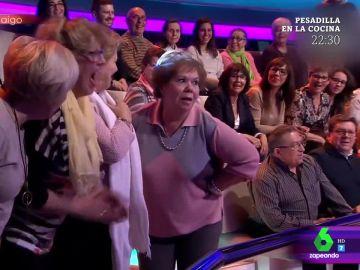 """El 'twerking' de una señora """"que deja loco"""" a Arturo Valls con sus """"encantos"""""""