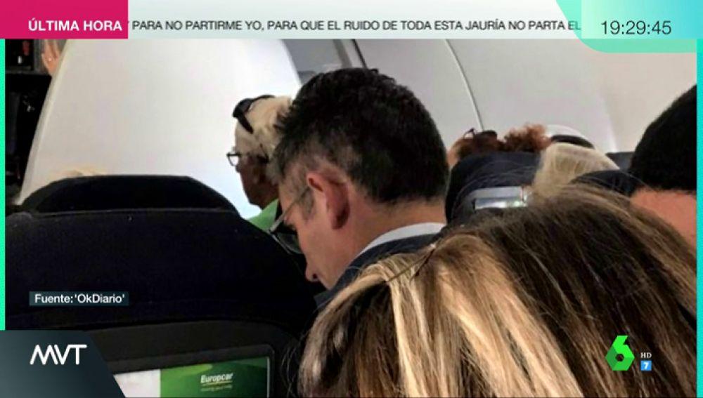 Graban a Urdangarin cogiendo un vuelo para volver a Suiza tras recibir la orden de prisión por la condena del 'caso Nóos'