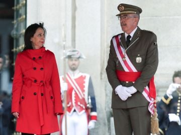 La ministra de Defensa Margarita Robles y el Jefe de Estado Mayor de la Defensa, general Fernando Alejandre