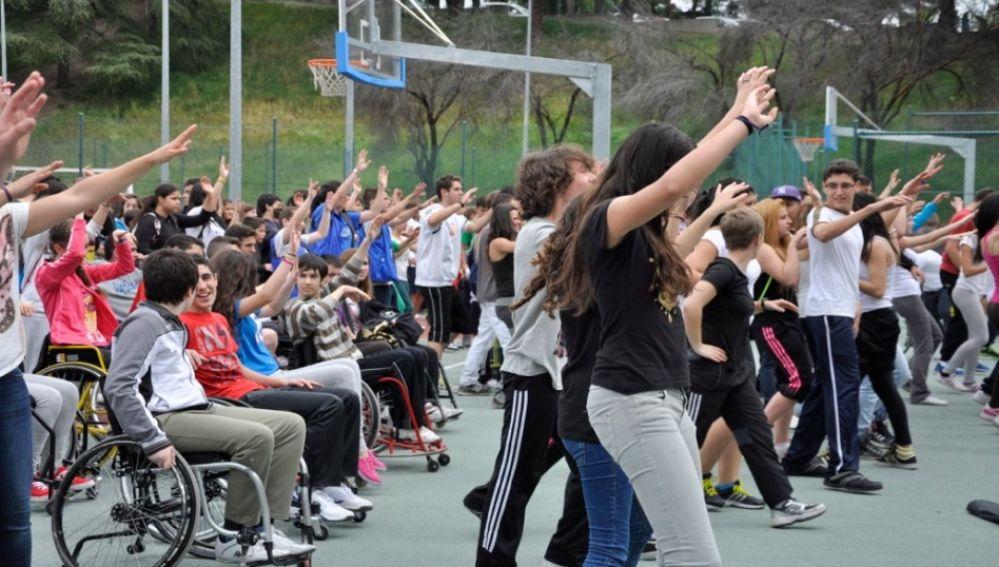 Los alumnos madrilenos a favor de incluir a companeros con discapacidad en el deporte
