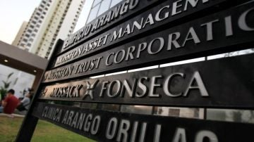 """Más vale tarde (20-06-18) El día que el caos llegó al despacho de Mossack Fonseca: """"Esto ha sido ridículo, parecemos putos 'amateurs'"""""""