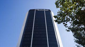 Imagen de la fachada del Banco Sabadell