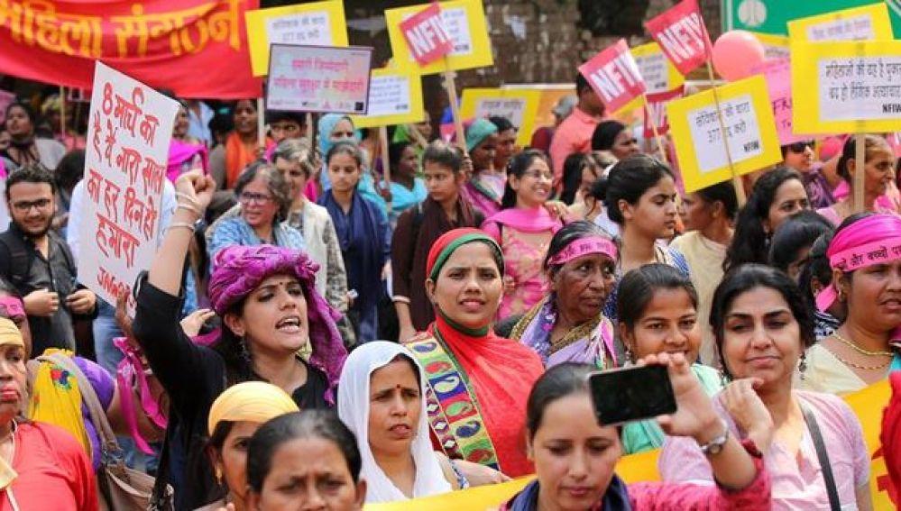 Manifestación contra las agresiones sexuales en India