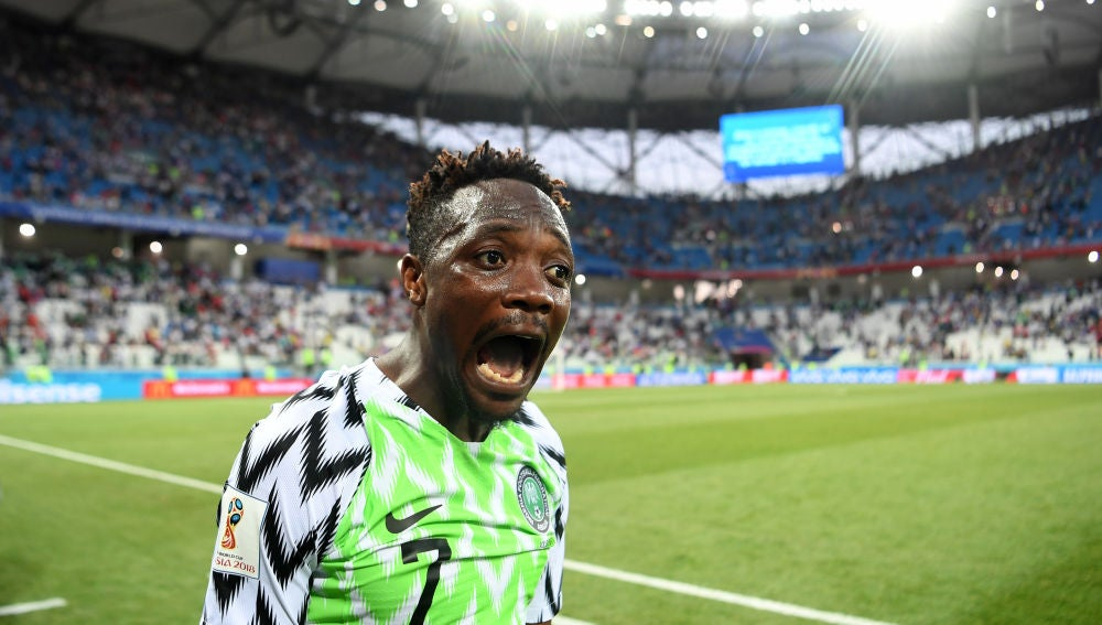 Musa celebra uno de sus goles contra Islandia