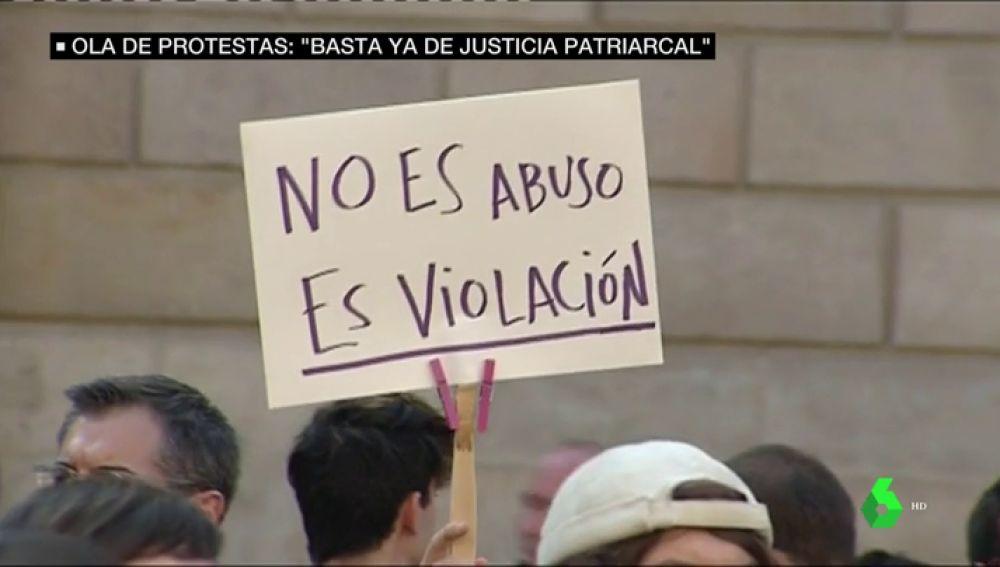 Ola de protestas contra la justicia patriarcal: critican que el tribunal empatice más con 'La Manada' que con la víctima