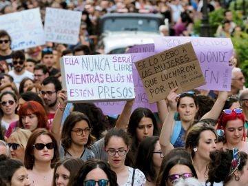 Manifestación en Valladolid en protesta por la puesta en libertad bajo fianza de la Manada