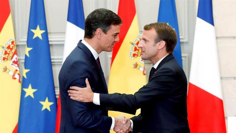 El jefe del Gobierno, Pedro Sánchez y el presidente francés, Emmanuel Macron