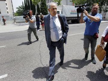 El exdirector del Instituto de Derecho Público de la URCJ Enrique Álvarez Conde