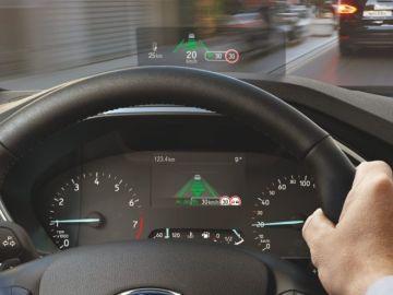 El head-up display del Ford Focus promete ser visible con gafas polarizadas