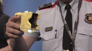 Las pistolas eléctricas Taser pasan a ser parte del armamento de los Mossos