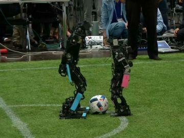 Robots jugando al fútbol